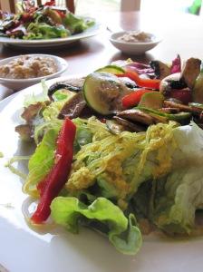 Kelp Noodle Salad with Spicy Cashew Sauce